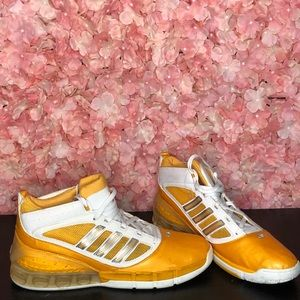 Adidas Bounci Size 17 Yellow Sneakers